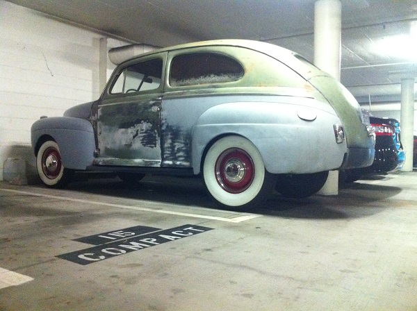 1941 Ford Tudor-Exterior 002.JPG
