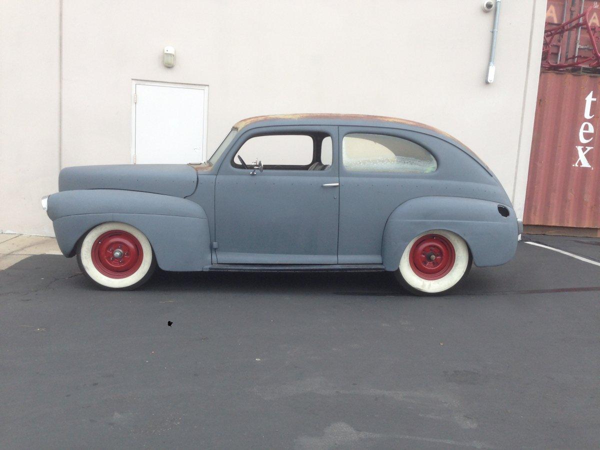 1941 Ford Tudor-Exterior 076.JPG