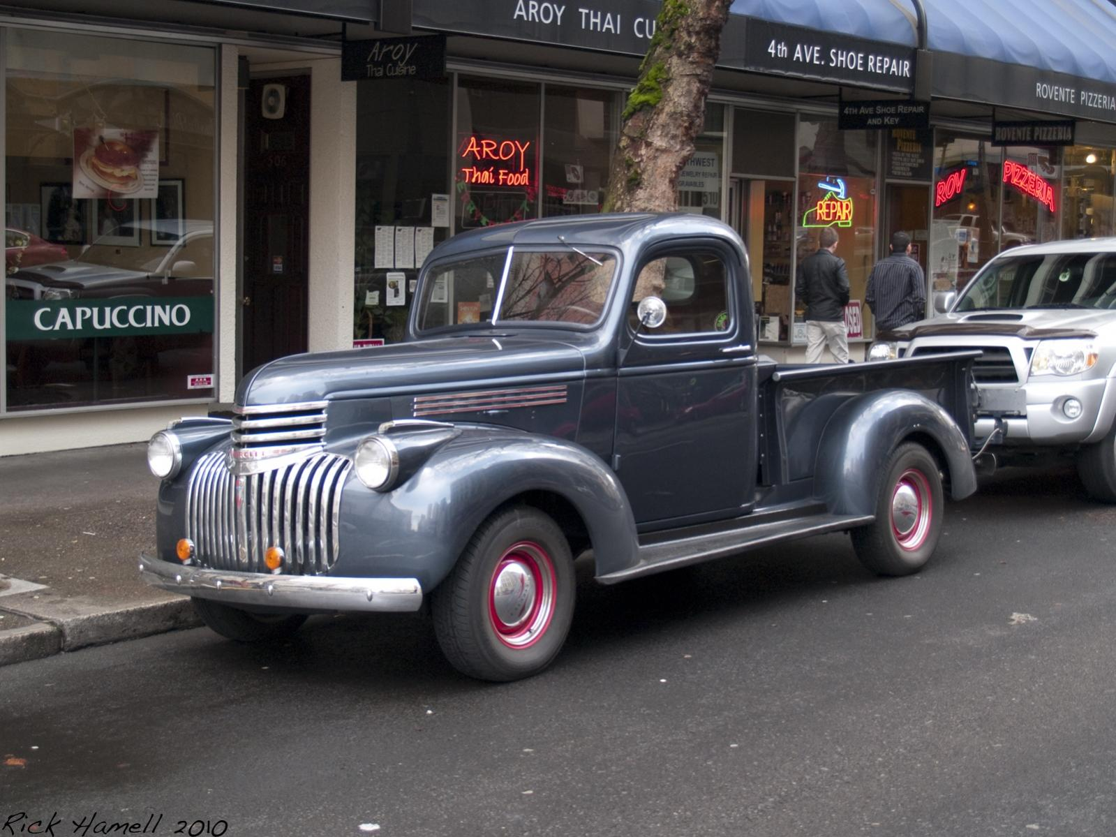 Pickup 41 chevy pickup : Features - **1941-1946 Chevy Truck Picture Thread**   The H.A.M.B.