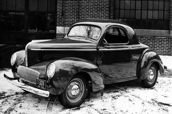 1941-WIllys-Americar-coupe-BW.jpg