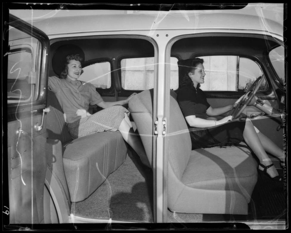 1941_models_Los_Angeles_CA_1940_image_2.jpg