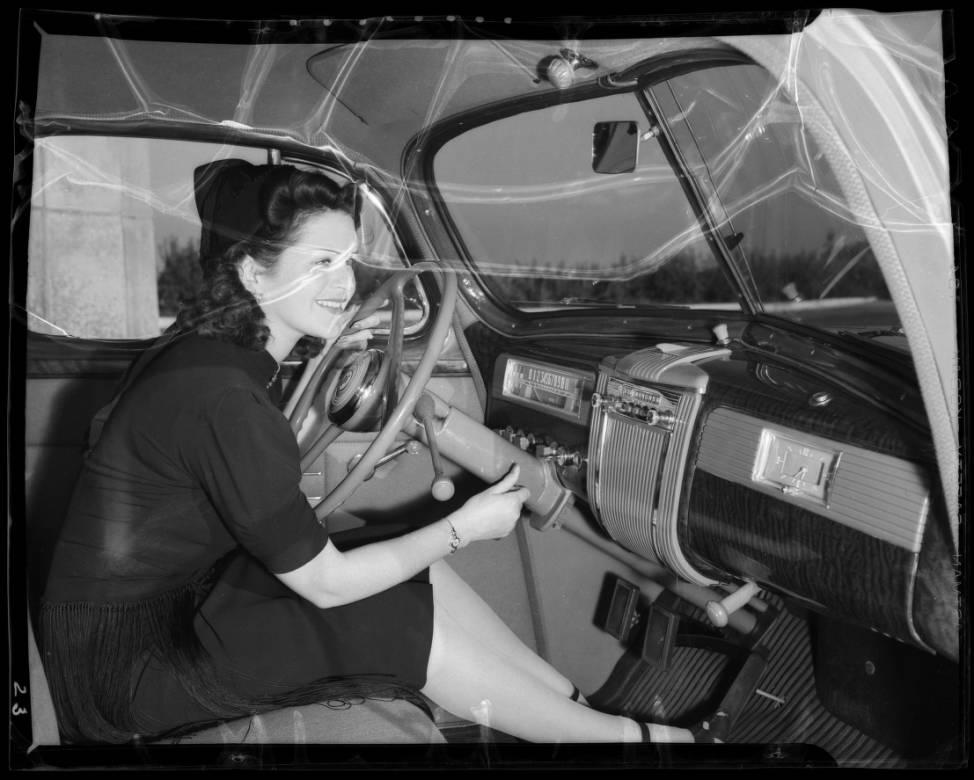 1941_models_Los_Angeles_CA_1940_image_3.jpg