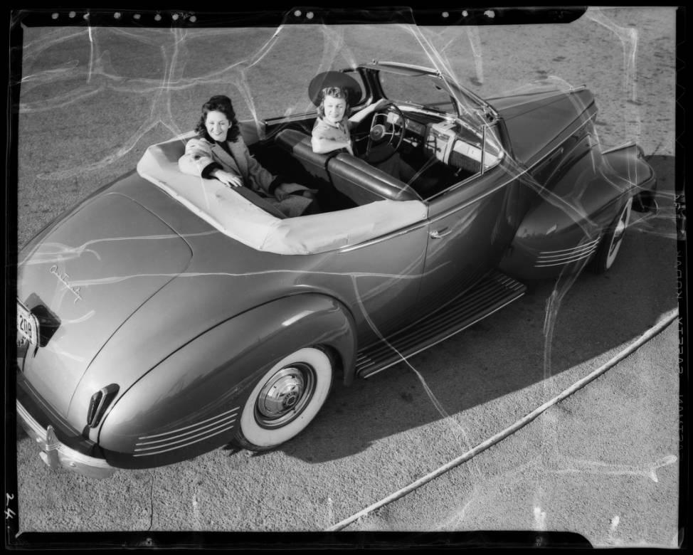 1941_models_Los_Angeles_CA_1940_image_4.jpg