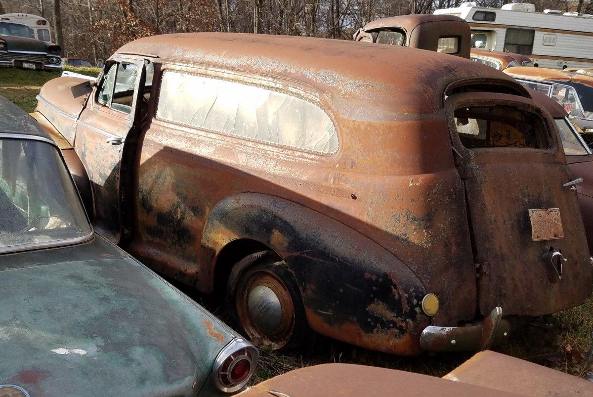 1942 Chevy Sedan Delivery (3).jpg