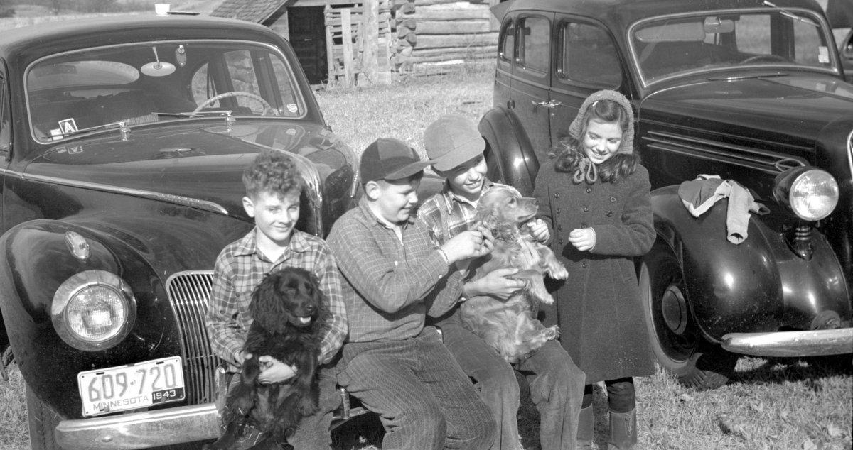 1943.11.01-CLARK-reunion-cousins2.jpg