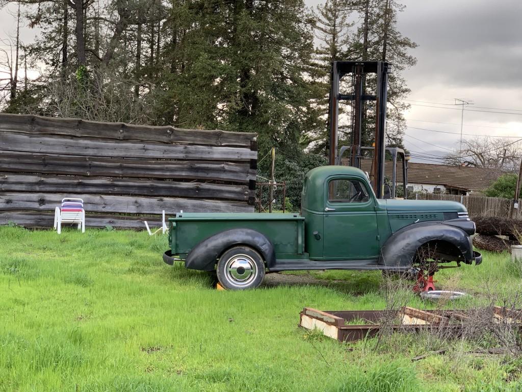 1946-chevy-still-standing.jpg
