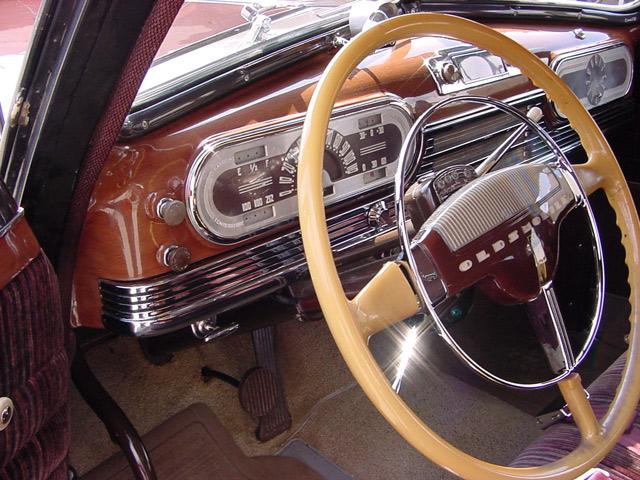 1946-olds-dynamic-dash.jpg