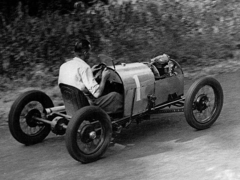 1947 Frank Bacon cyclecar at Prescott.jpg