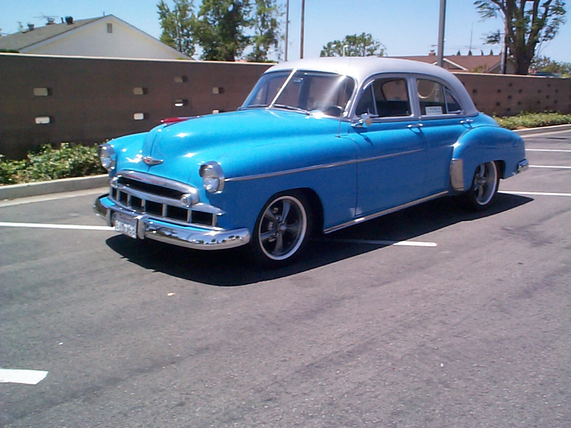 1949 Chevy Deluxe Hot Rod 350 Zz4 Crate 700r4 Mustang 2