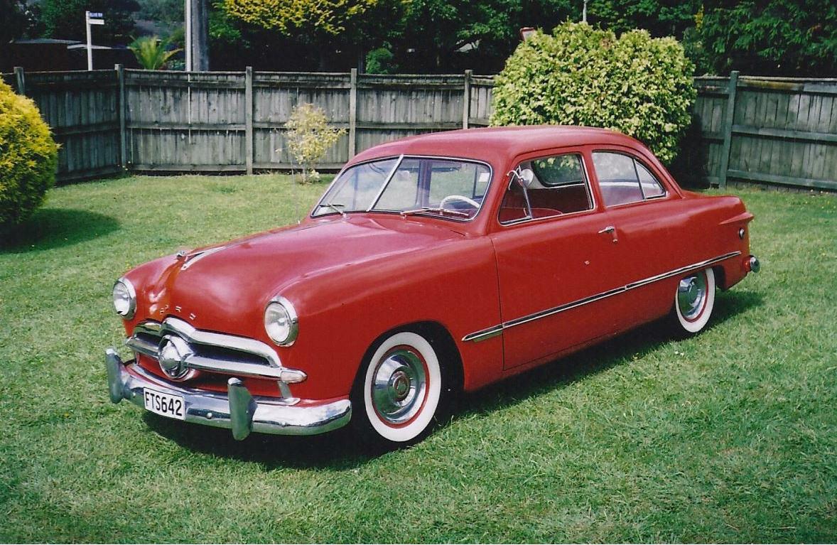 1949-ford-tudor.jpg