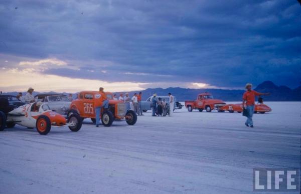 1950s-bonneville-salt-flats-drag-racing-photo.jpg