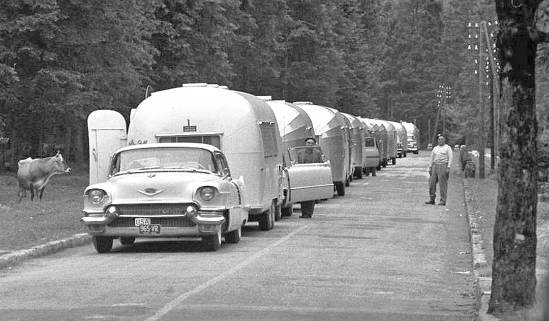 1950s-Cadillac-on-an-Airstream-Caravan.jpg