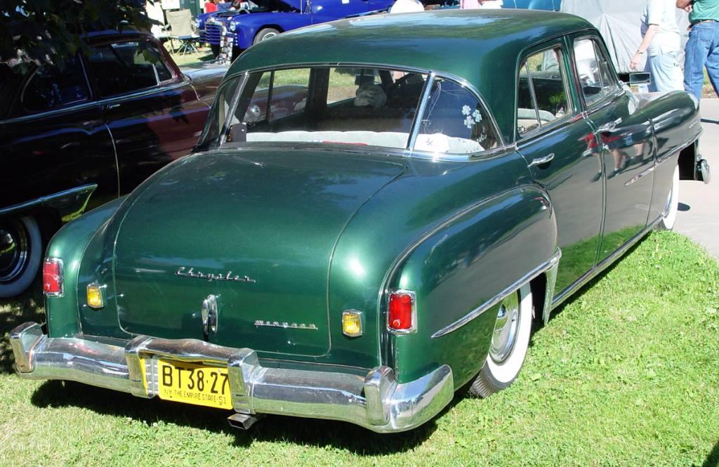 1951-Chrysler-Windsor-green-ra-sy.jpeg