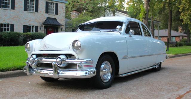 1951-ford-shoebox-coupe-kustom-1.JPG