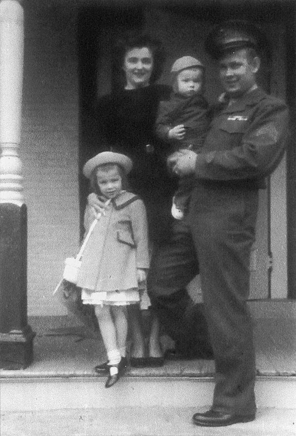 1951.linda.family-porch.jpg