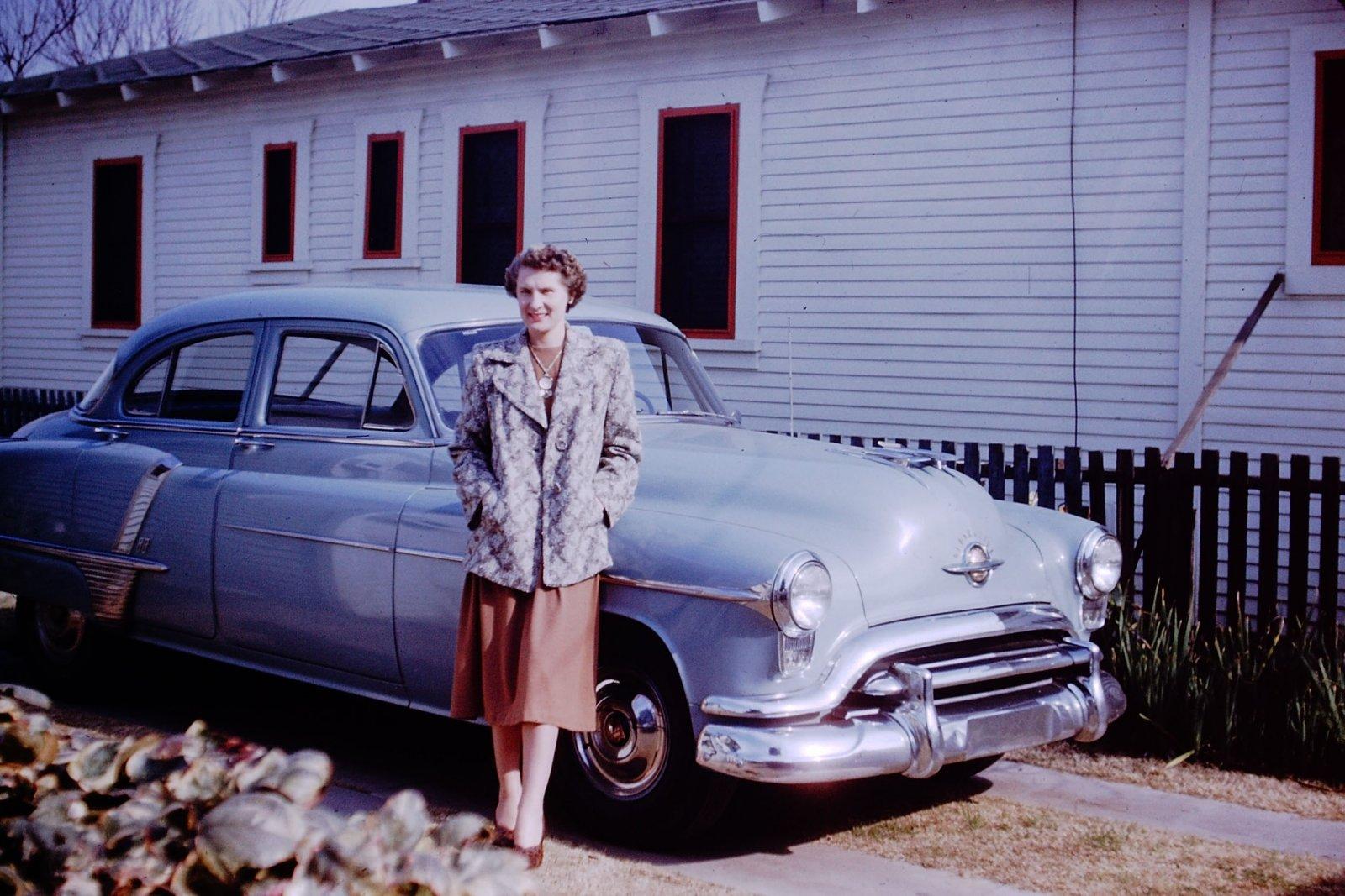 1951 Olds.jpg