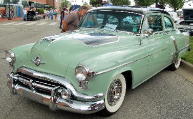 1952-oldsmobile-factory-display-car-377x233.jpg