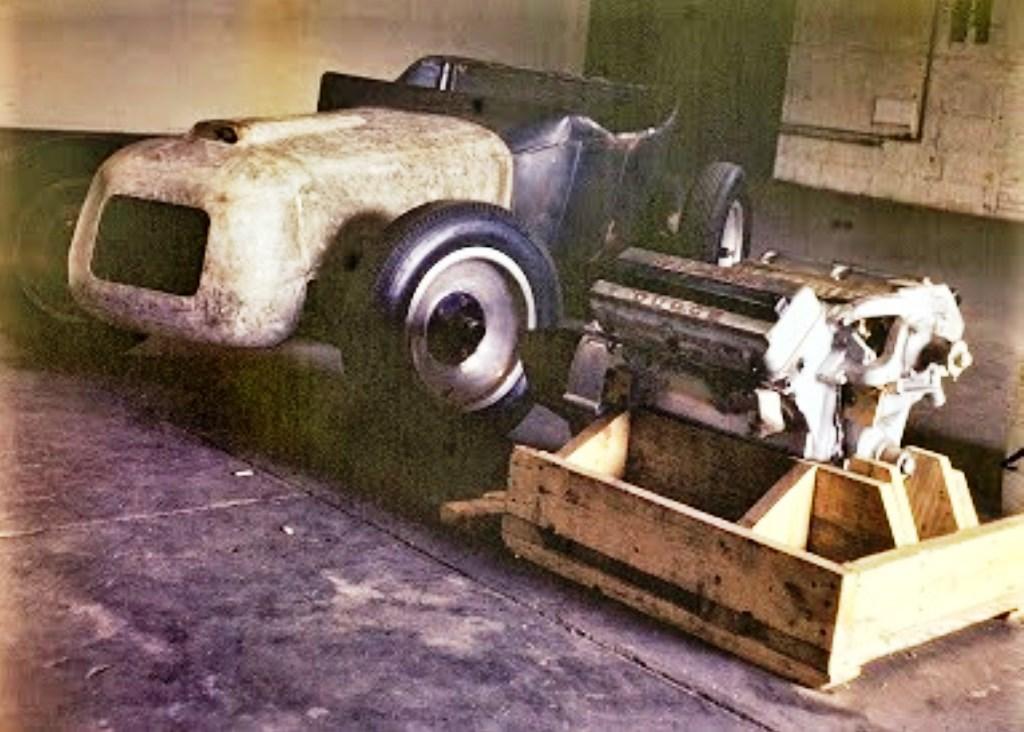 1953 - 241 cu in hemi in crate.jpg