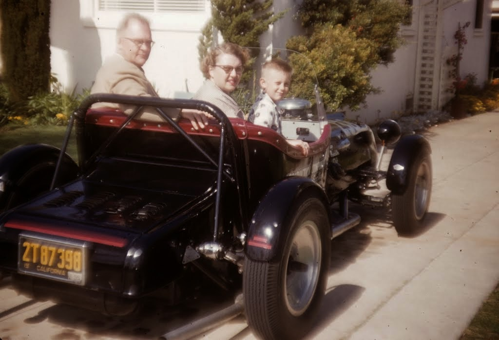 1954 - Entire family does -fit!.jpg