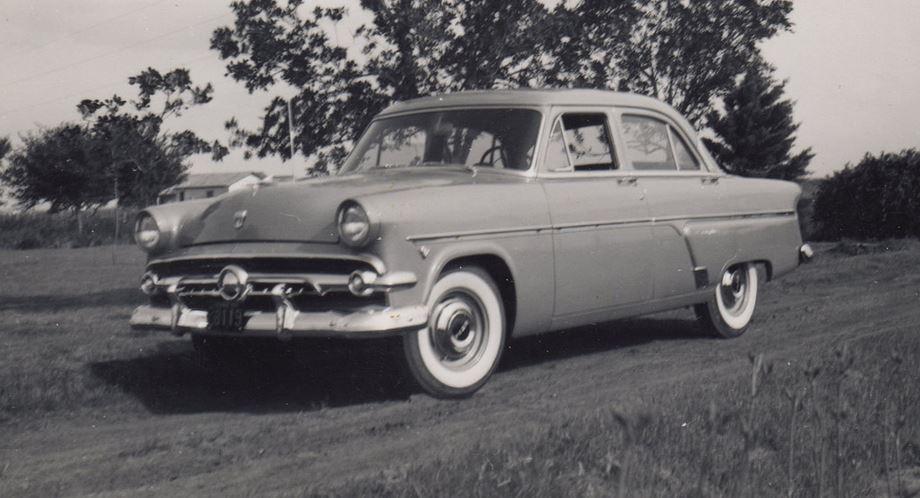 1954 ford customline.JPG