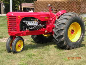 1954 MASSEY HARRIS 44 Special tractor (Shelby Ohio craigslist pic 2).jpg