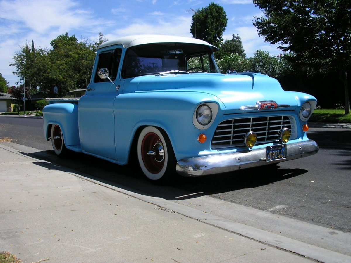 1955+chevrolet+cameo+pickup+hotrod+pictures+1955chevytruck03.jpg