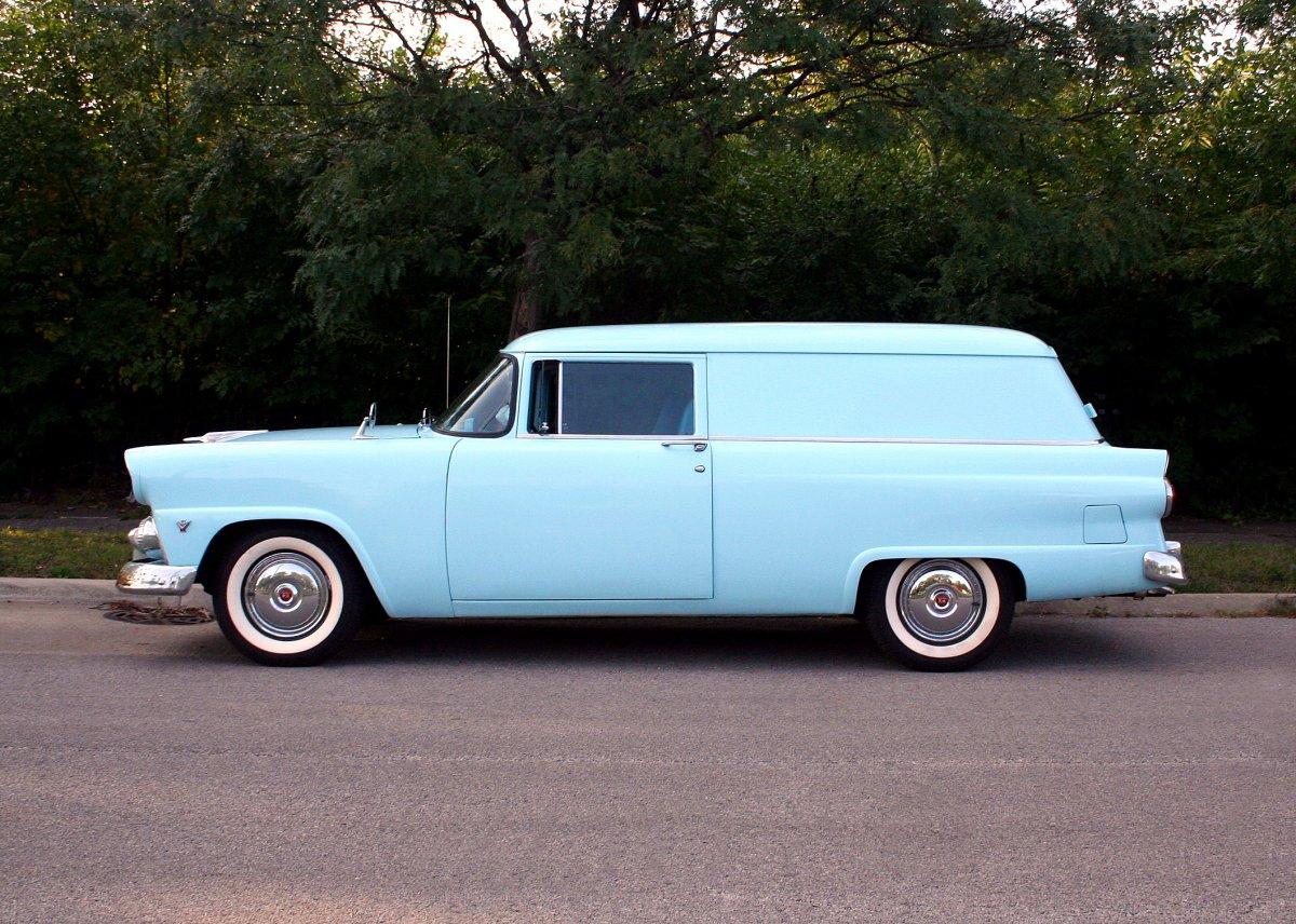 1955 Ford - 1.JPG
