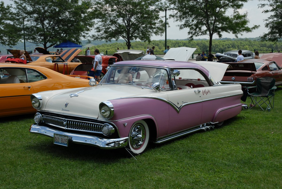 1955-ford-ht2-peoria072008-1a.JPG