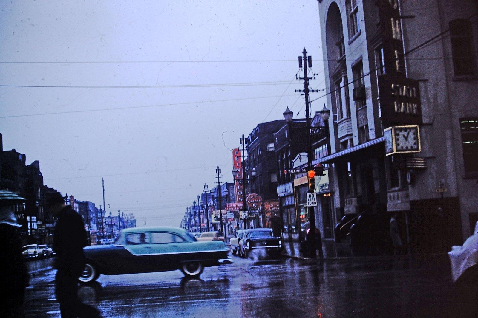 1955 Pontiac.jpg