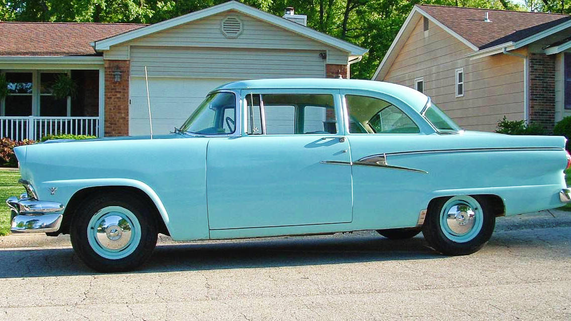 1956-Ford-Fairlane-Mainline.jpg