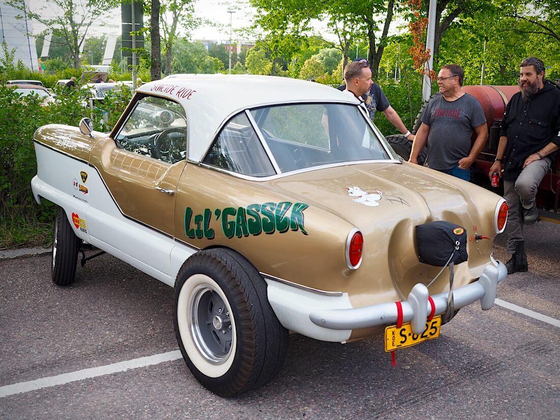 1956-Nash-Metropolitan-Lil-Gasser-350cid-VantaaCruising-KaiLappalainen-CCBY40-WheelsFI.jpg