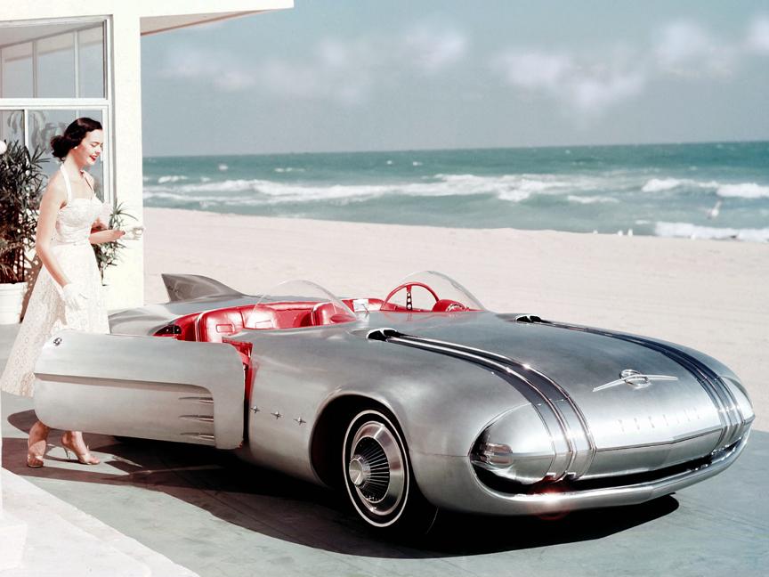 1956 Pontiac Club de Mer.jpg