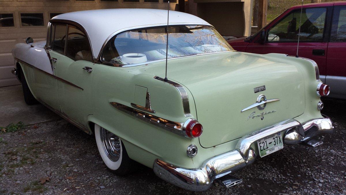1956 Pontiac.jpg