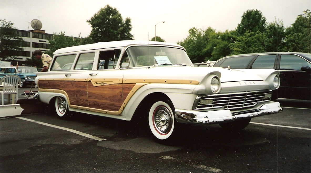 1957-ford-country-squire-station-wagon.jpg