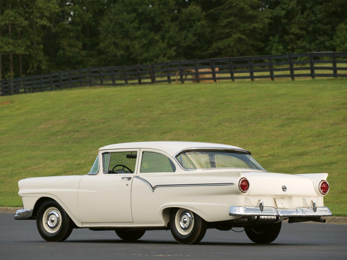 1957-ford-custom-8.jpg