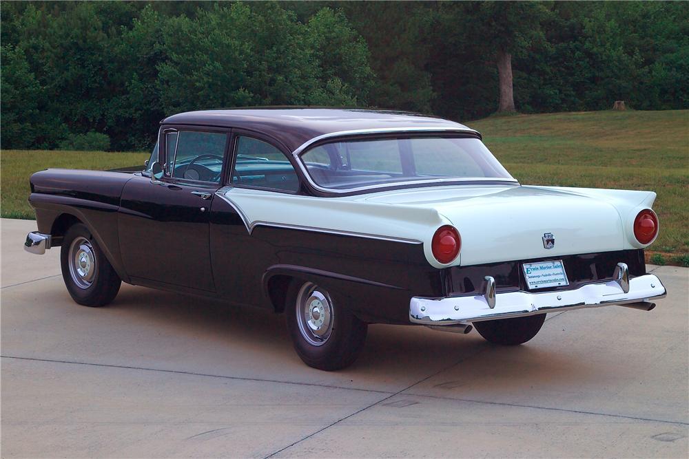 1957-ford-custom-wallpaper-9.jpg