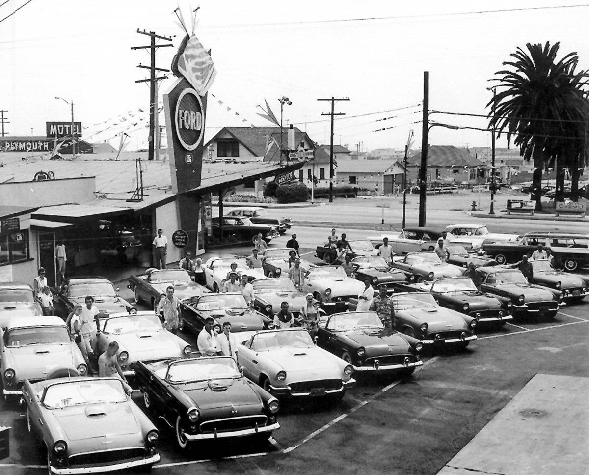 1958-BACON1-thunderbirds at car lot.jpg