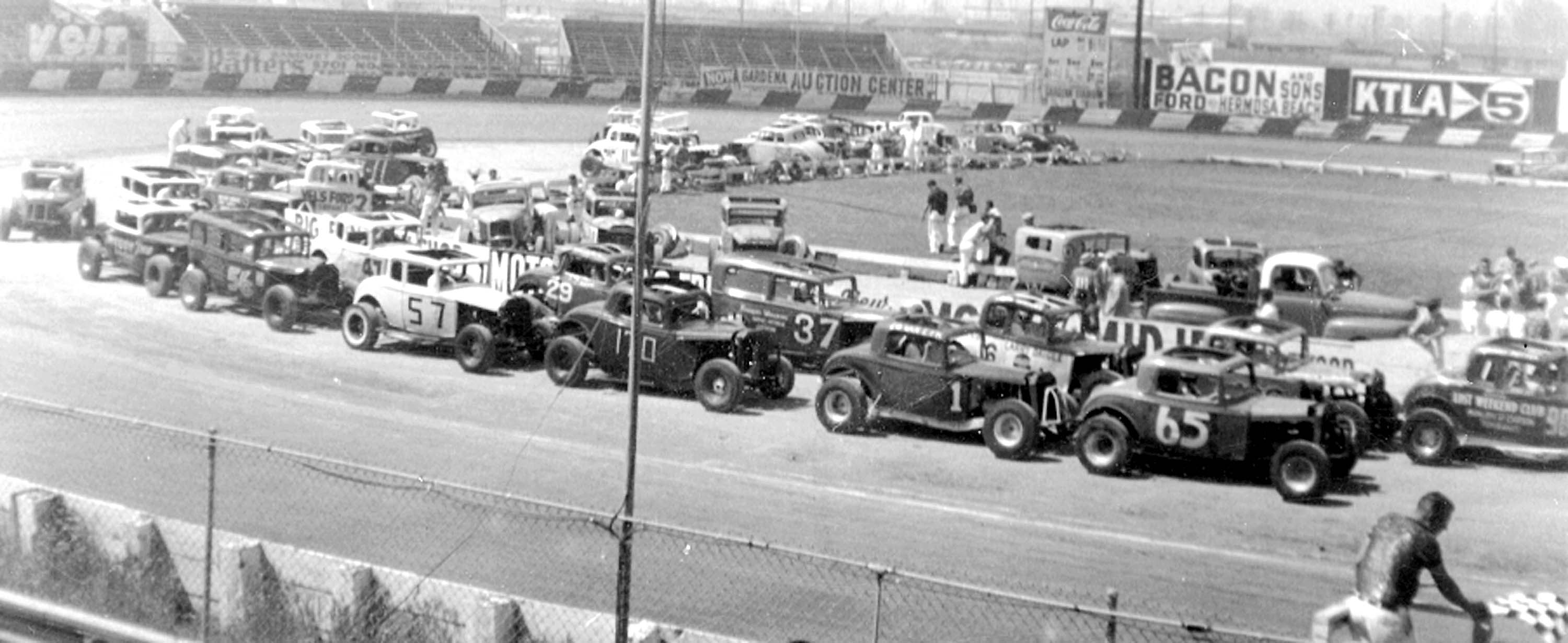 1958-RV1-gs-cars during qualifing-LARGE.jpg