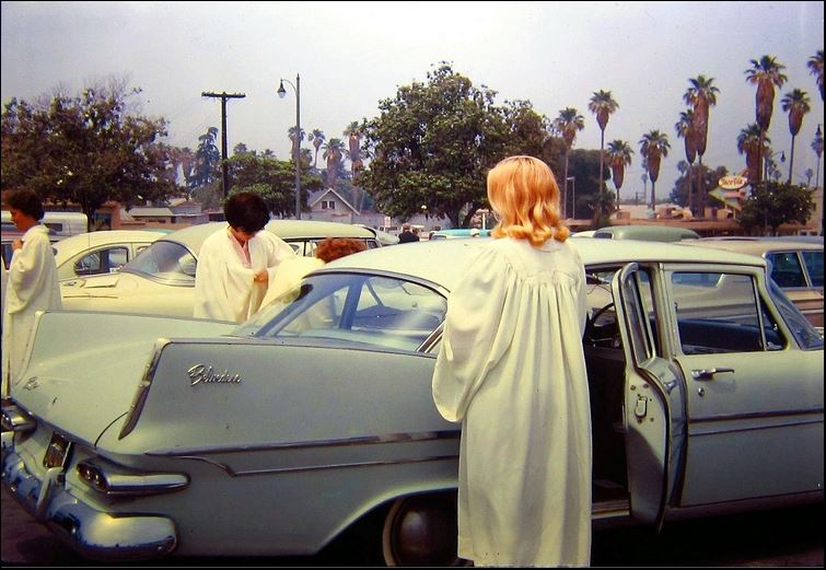 1959 belvedere delivering the choir.JPG