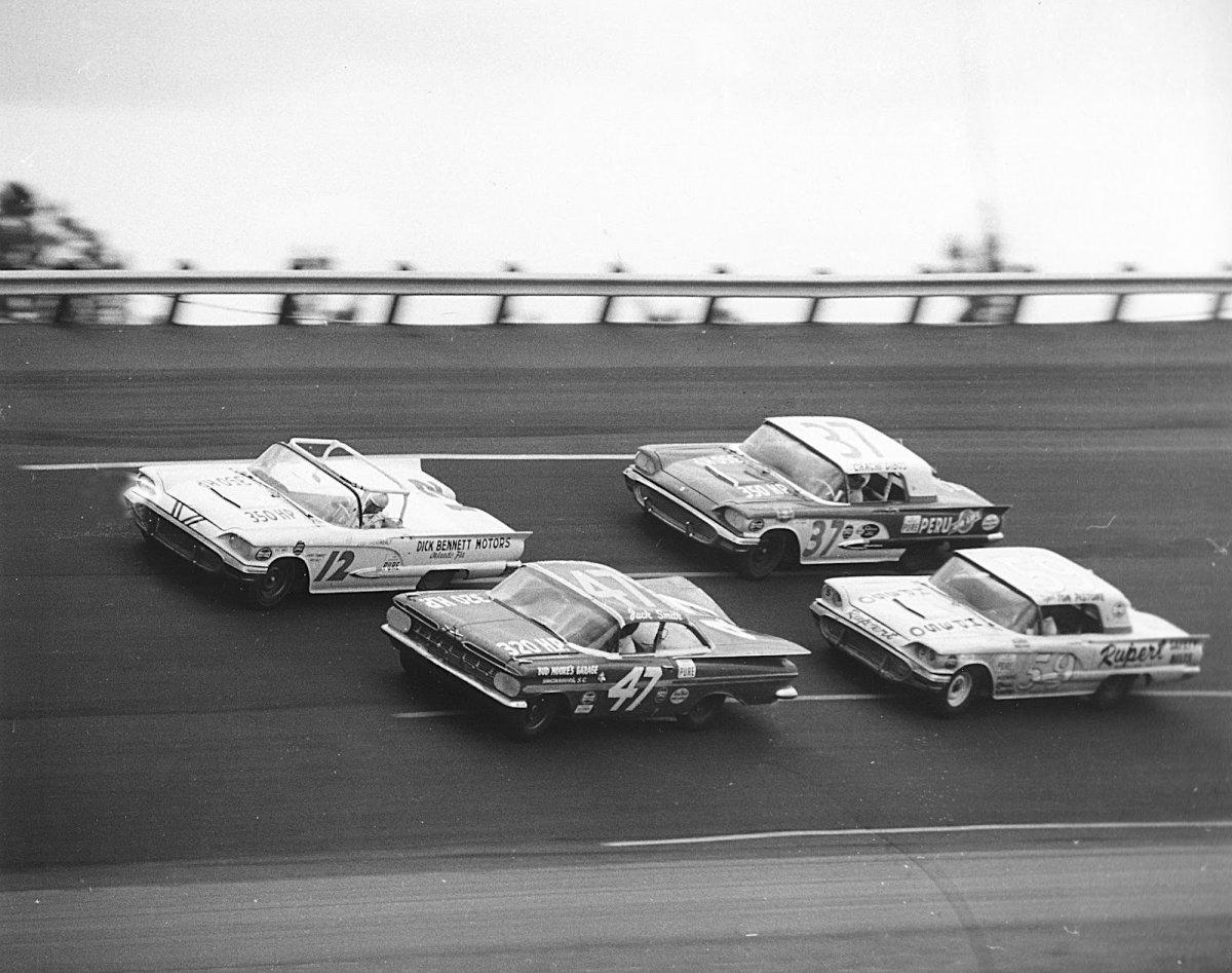 1959 Daytona July Fireball Roberts.jpg