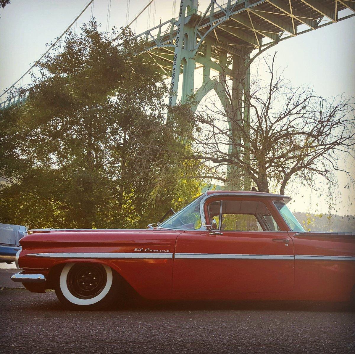 1959 El camino st johns bridge cathedral park2.jpg