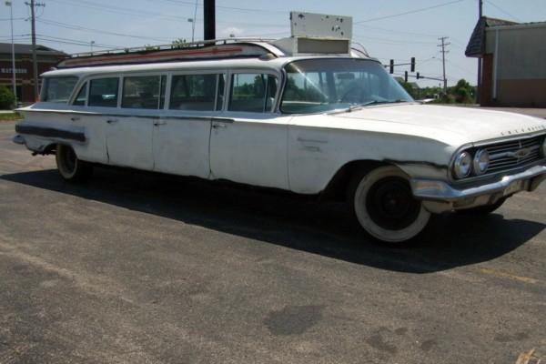 1960-Chevrolet-Impala-Limo-600x400.jpg