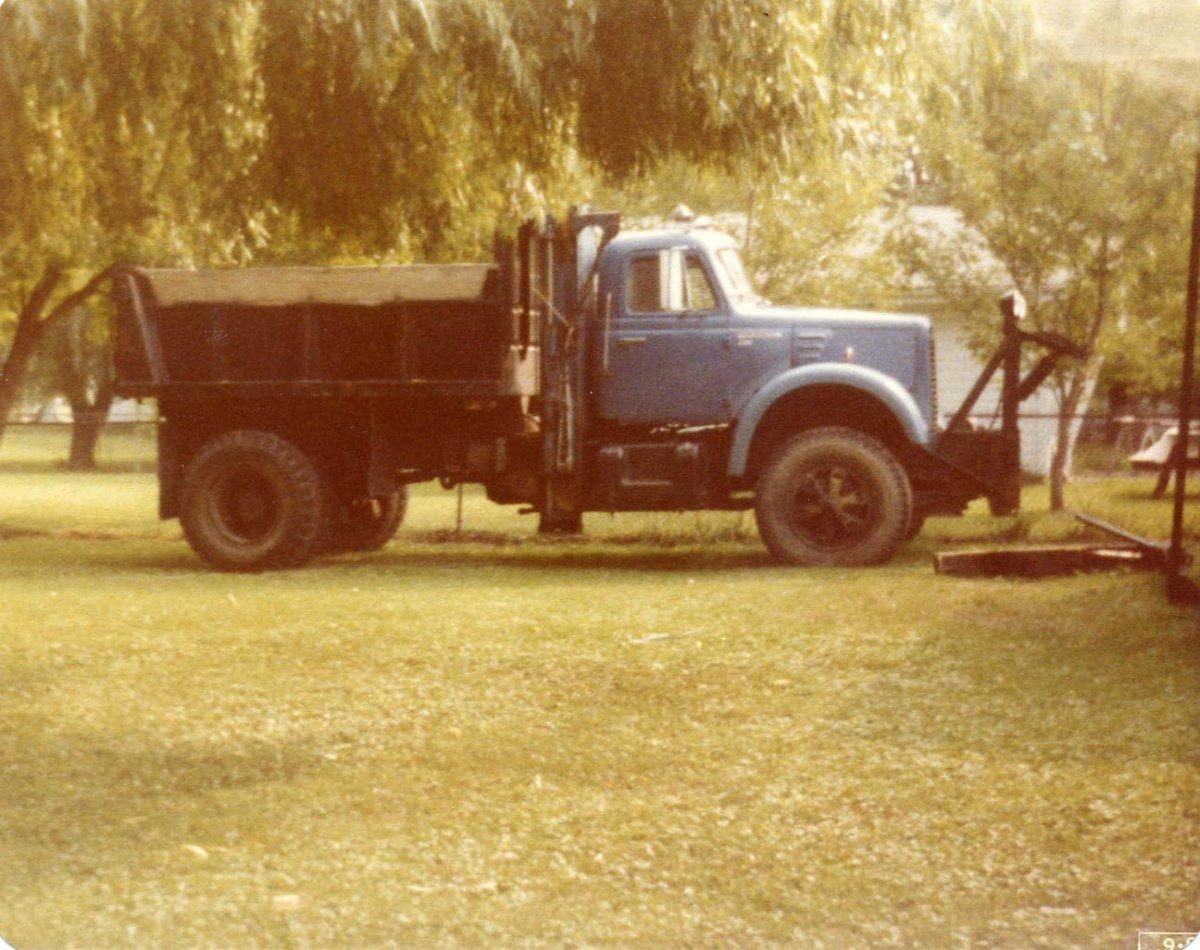 1960 IH -R190 DUMP.jpg