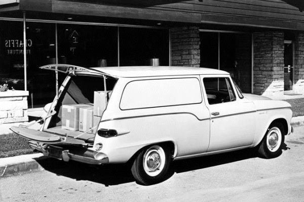 1960-Studebaker-Sedan-Delivery-raer.jpg