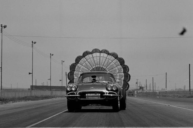 1961-chevrolet-corvette-open-deist-chute.jpg