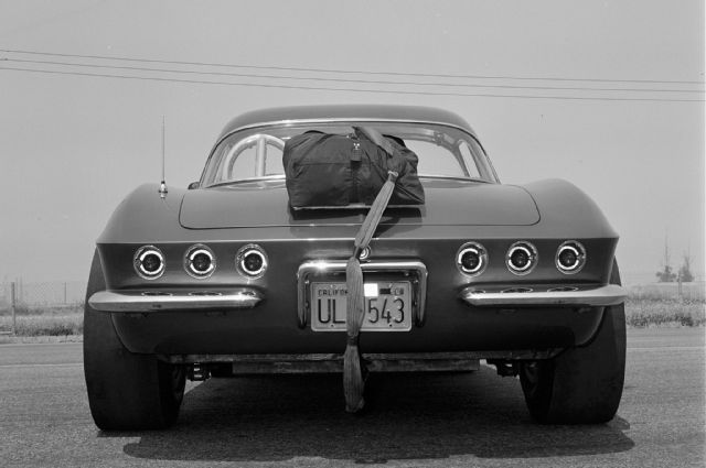 1961-chevrolet-corvette-rear.jpg