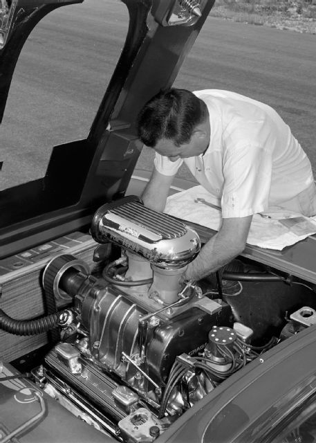 1961-chevrolet-corvette-ridenhour-engine.jpg