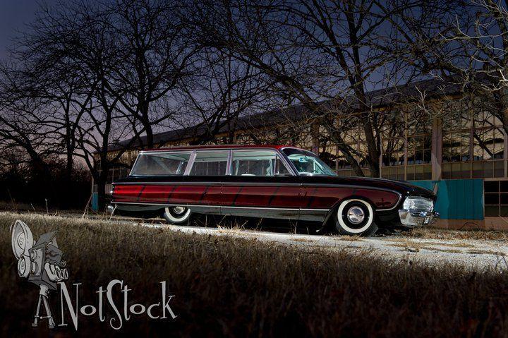 1961 Ford Falcon Wagon.jpg