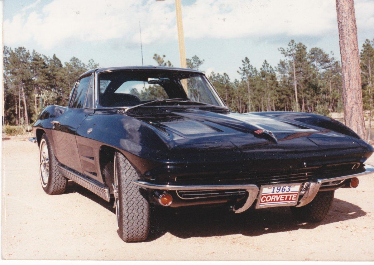 1963 corvette 1.jpg
