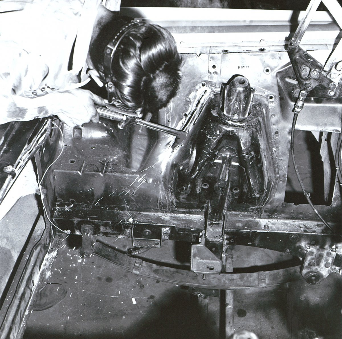 1964 AFX Comet-Hairy Canary Construction Photos0013.jpg